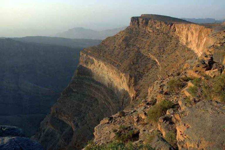 الاماكن السياحية في جبل شمس بسلطنة عمان..
