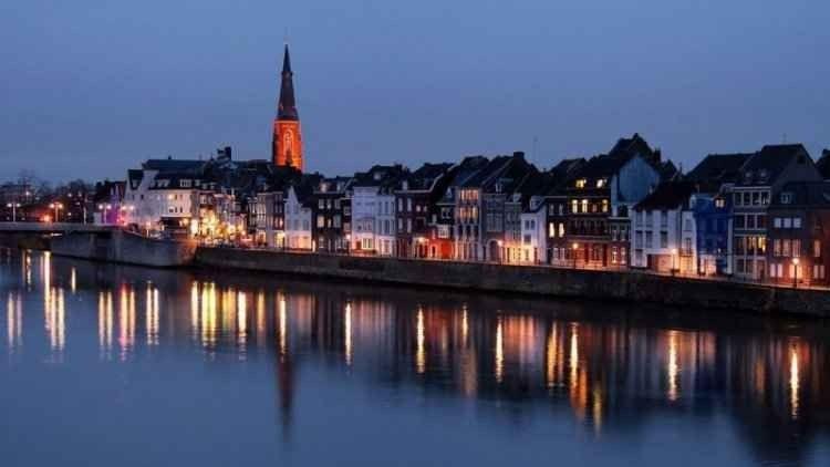 نصائح عليك معرفتها قبل السفر إلىماسترخت هولندا ..