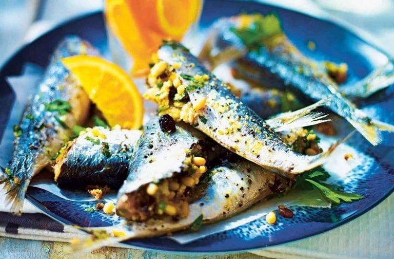 اكلات مشهورة Cornishsardines-Larger-Size-1-0a4d1217-4e71-4aa3-ad9f-283df8e399c7-0-1400x919-768x504