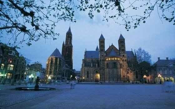 تعرف على أهم الساحات فى مدينة ماسترخت هولندا