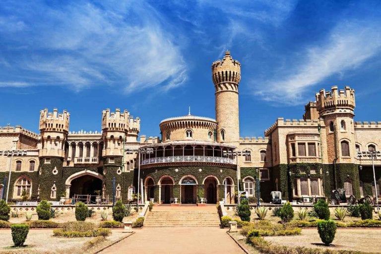 تعرف على .. أهم وأبرز الاماكن السياحية في بيون الهند ...