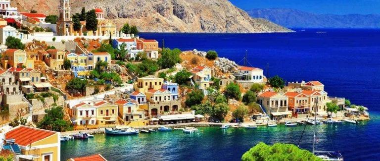 السياحة فيجزيرة سيمي في اليونان