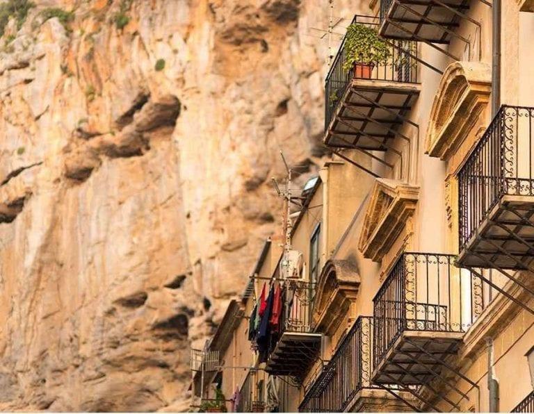 """""""المدينة القديمة""""..أحد أبرز معالم السياحة في تشفالو ..."""