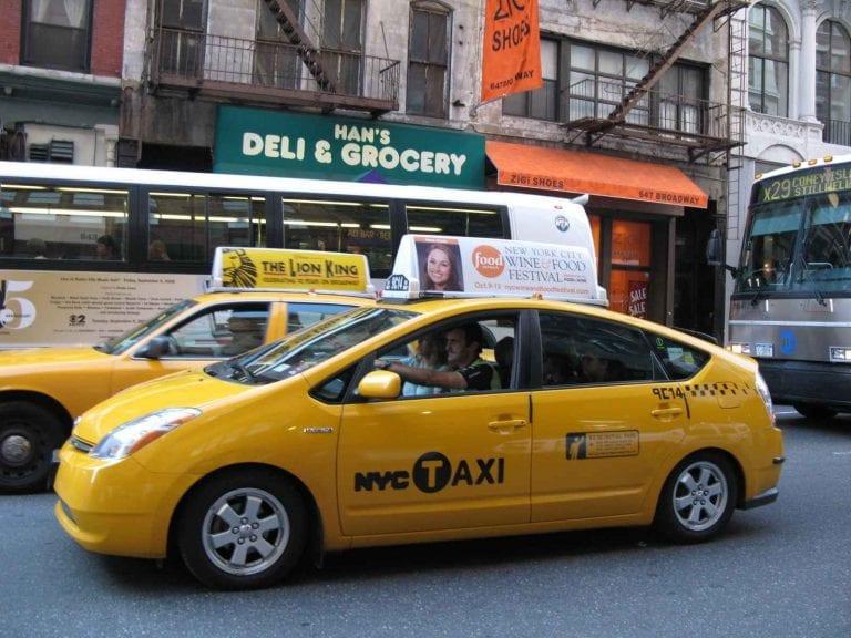 التاكسي - المواصلات في شيكاغو Chicago