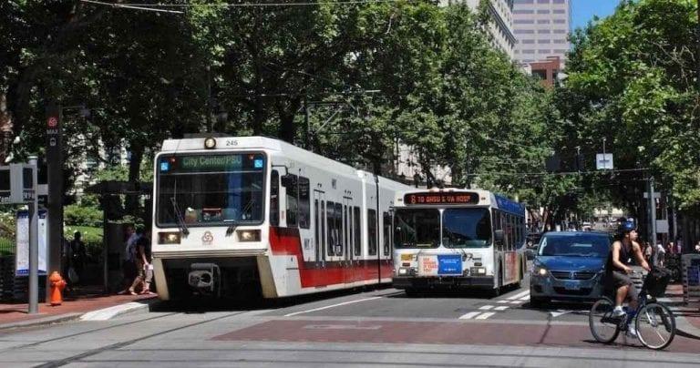 الأوتوبيسات العامة - المواصلات في شيكاغوChicago