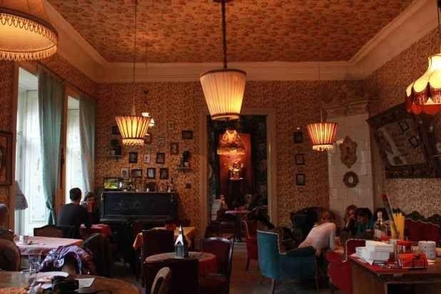 """"""" مقهى لينفيل """" .."""