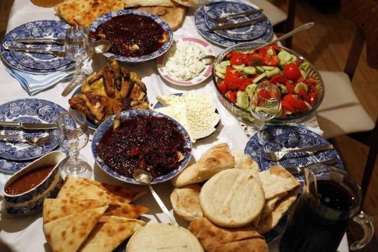 الطعام في ميستيا جورجيا