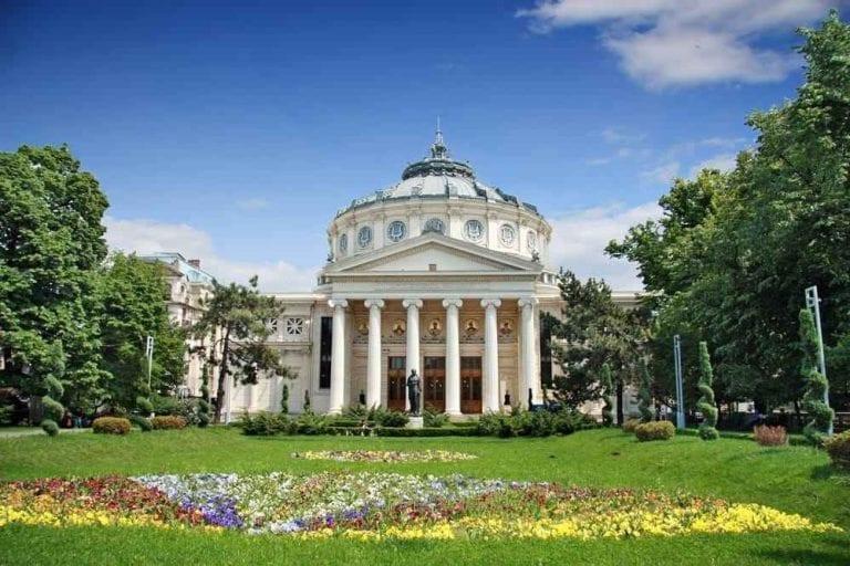 لا يفوتك زيارة هذه الأماكن عند السفر إلى رومانيا ...