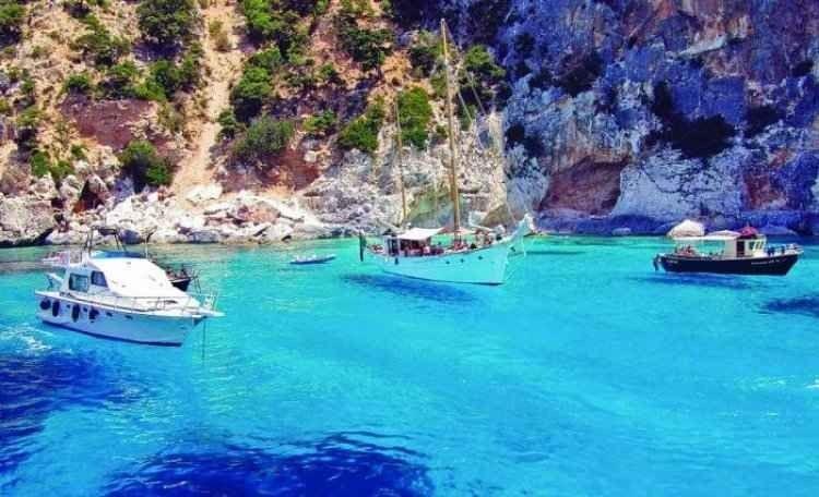 كيفية السفر إلى جزيرة ليفانزو الإيطالية..