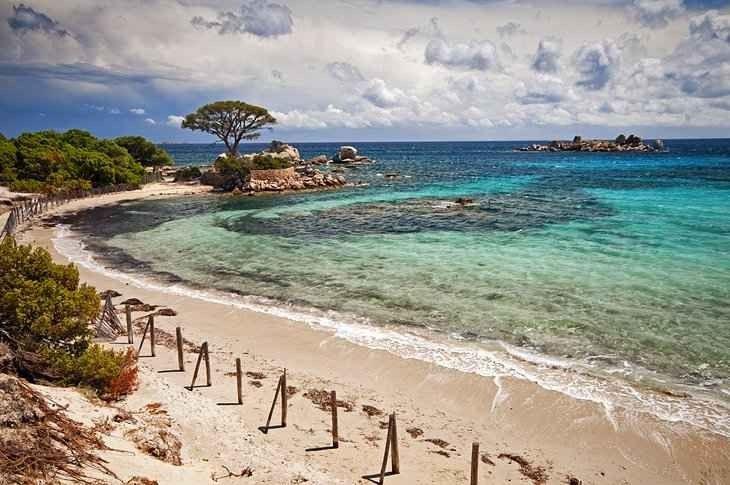 السياحة في جزيرة كورسيكا في فرنسا : و 10 أماكن سياحية 2