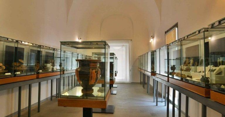 """لا يفوتك الذهاب إلى متحف """"ماندراليسكا""""..عند السفر الى تشفالو.."""