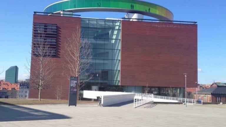 """"""" متحف The ARoS Aarhus Kunstmuseum """" .. اهم معالم السياحة في آرهوس الدنماركية .."""