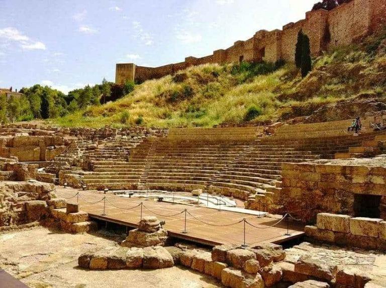 """""""المسرح الرومانى""""..واحدا من أفضل اماكن الترفيه في ملقا الإسبانية..."""