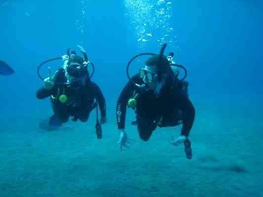 """""""الغوص والسباحة""""..أبرز الانشطة السياحية في اندونيسيا..."""