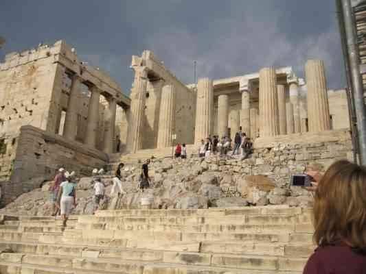 """""""تسلق المرتفعات""""..أحد أبرز الانشطة السياحية في اليونان.."""
