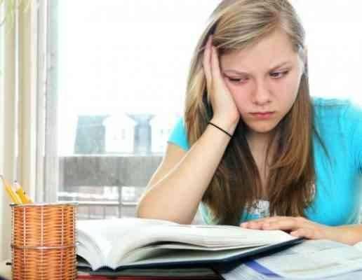 أسباب تعوق المراهق عن المذاكرة