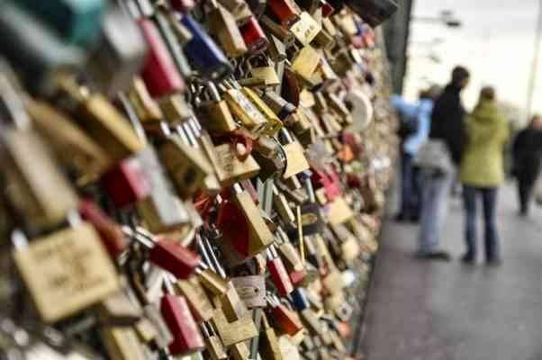 جسر أقفال الحب