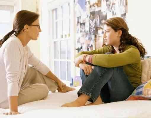 نصائح للأمهات للتعامل مع المراهقات