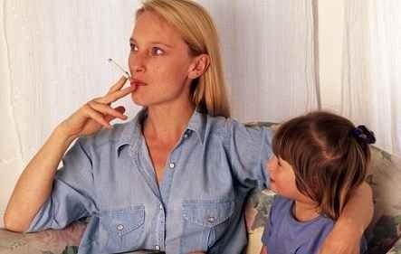 أسباب تدخين المراهقين