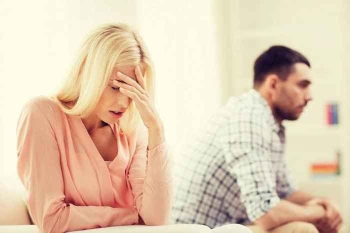Photo of التعامل مع الزوج الكذاب.. 6 أسباب تجعل الزوج يكذب والعلامات التى يمكنك منها كشف هذا الكذب