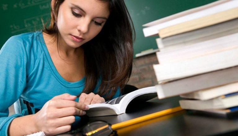 كيف تتعامل مع المراهق في المذاكرة ؟