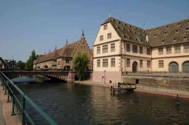 """""""ستراسبورغ"""".. واحدة من أجمل المناطق السياحية القريبة من باريس.."""