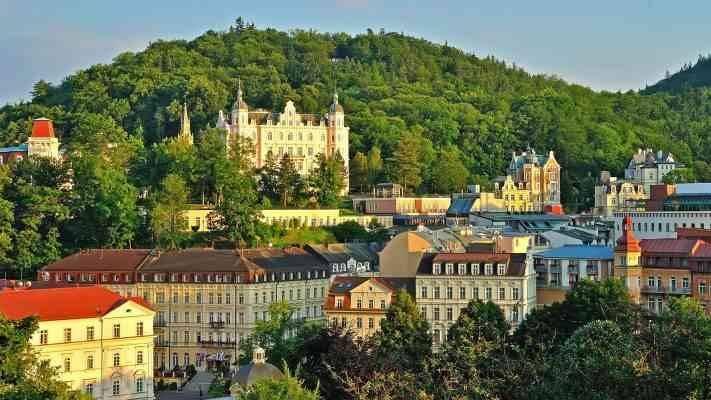 Karlovy Vary كارلوفي فاري - المناطق السياحية القريبة من براغ prague