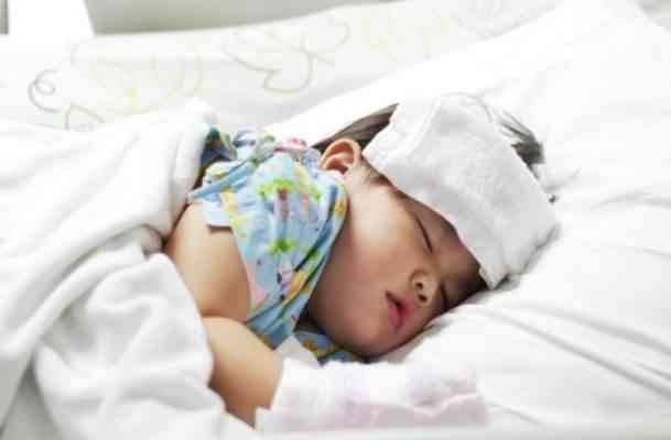 نصائح لعلاج سخونة الرضع