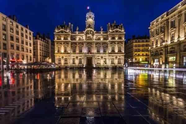 """""""مدينة ليون""""..أحد أبرز المناطق السياحية القريبة من باريس.."""