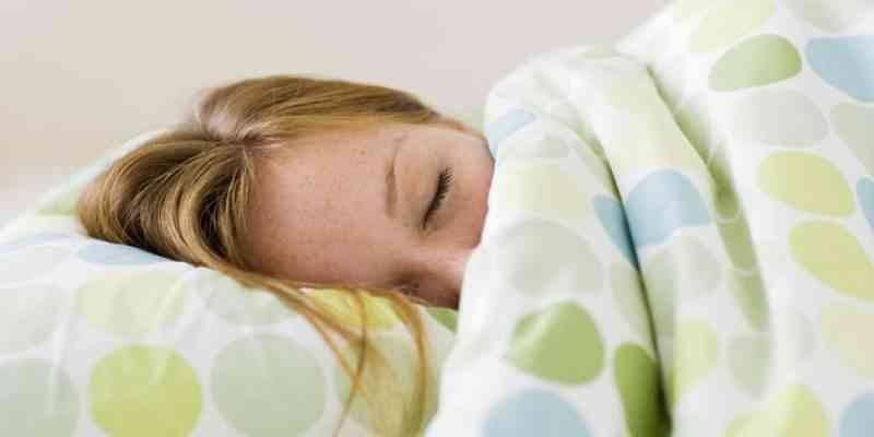 احرص على توافر فراش مريح - كيف أنام بسرعة ؟