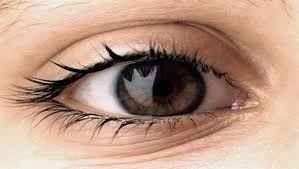 استخدامات قشر الموز للعين