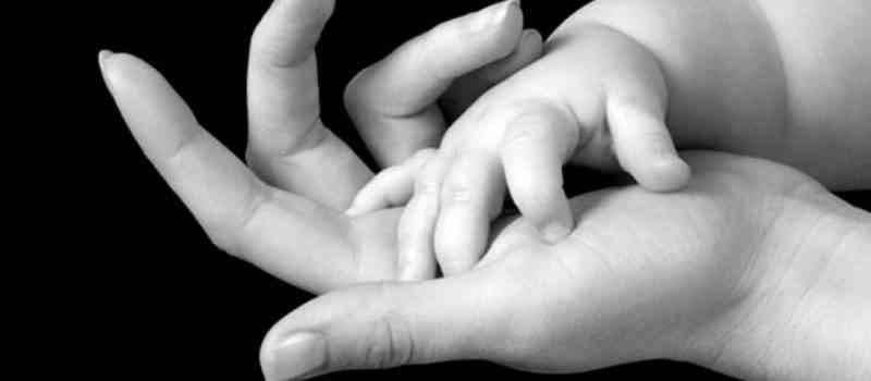 حكم وأمثال أكثر من رائعة عن الأم
