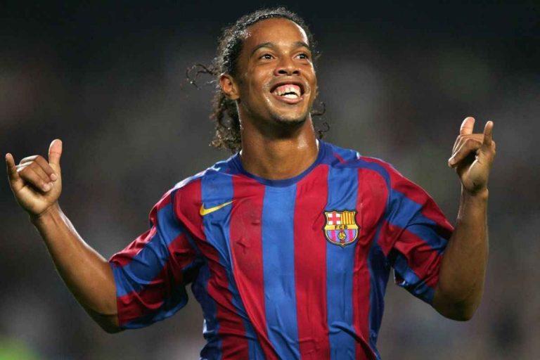 لاعب كرة القدم البرازيلي رونالدينيو