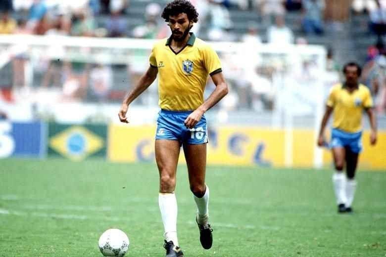 لاعب كرة القدم سقراط البرازيل
