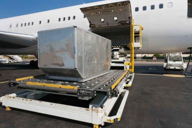 - صندوق الطائرة Cargo