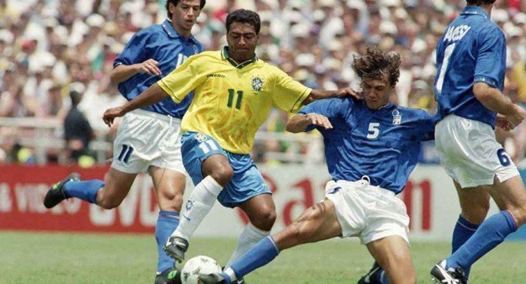 لاعب كرة القدم البرازيلي روماريو
