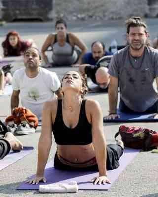 ممارسه اليوجا - كيف أتخلص من الملل