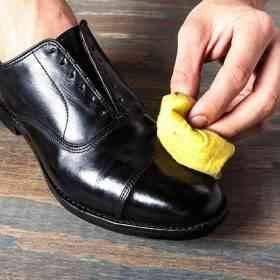 استخدامات الفازلين لتلميع الأحذية
