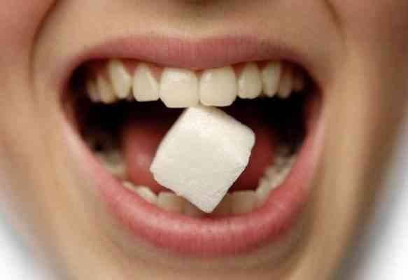 السكر يضرّ الأسنان