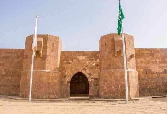 أبرز المعالم السياحية لمدينة ضباء - قلعة الأزلم