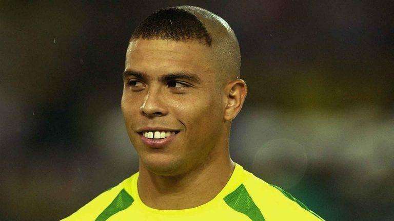 لاعب كرة القدم البرازيلي رونالدو