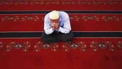 Photo of الأذكار الصحيحة بعد الصلاة وفضلها.. تعرف على أذكار بعد الصلاة وفضلها
