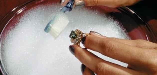 طريقة تنظيف الفضة