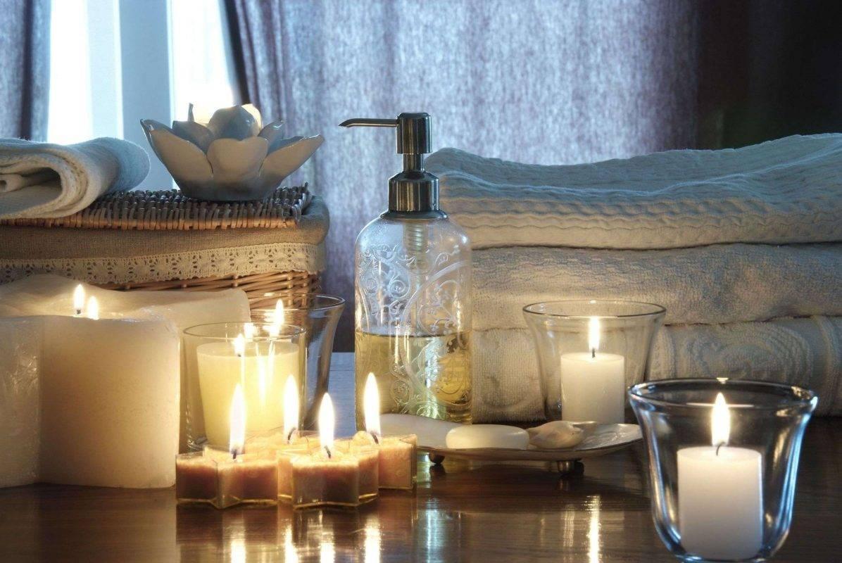 - الشموع لإضفاء الرومانسية