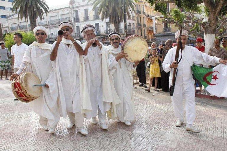 عادات وتقاليد الشعب الجزائري