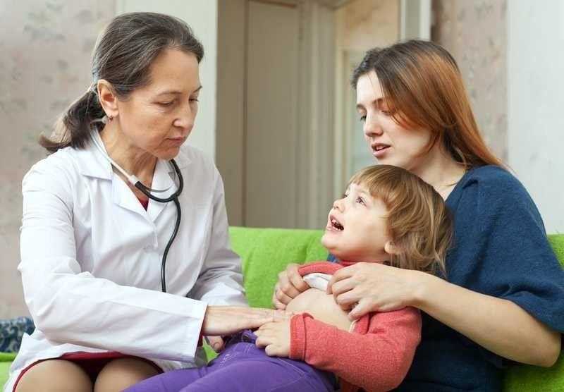 طرق مختلفة لعلاج مغص البطن عند طفلك