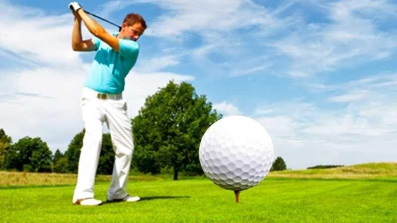 طريقة لعب الغولف