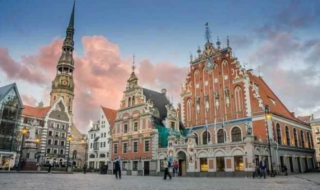 قصر ومتحف روندال .. الطبيعة في لاتفيا
