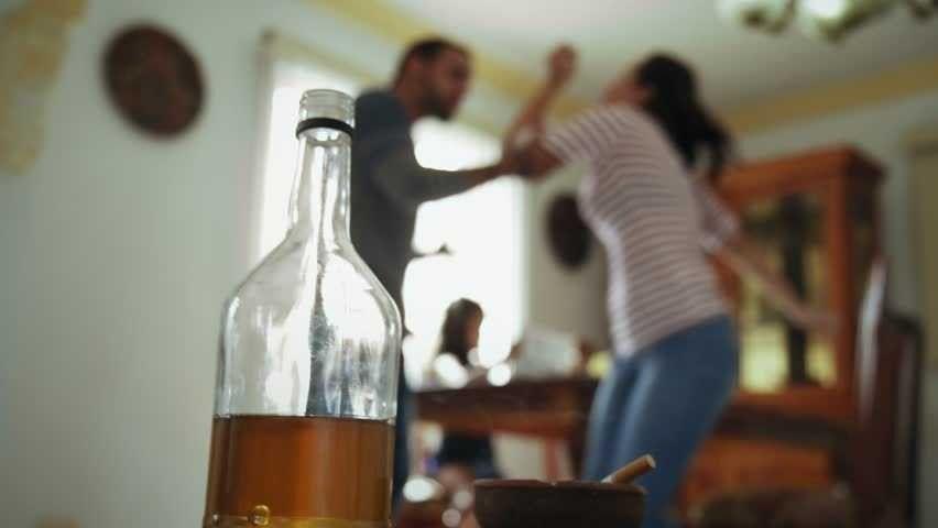 كيفية التعامل مع الزوج الذي يشرب الخمر