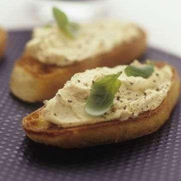 الخبز المحمّص مع الزبدة